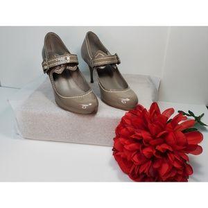 Buckle closure shoes kurt geiger shoes size 7/38